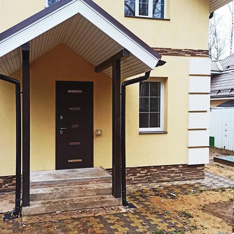Преимущества и недостатки металлических внешних дверей в частном доме